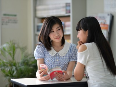 女性必見!11/1〜1/15、4/16〜5/31に鳥取東部自動車学校へご入校の女性の方は、海が一望できる砂丘温泉(期間中1回)やイタリアンレストラン(滞在中2回)へご招待します。