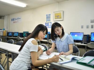 自習室で勉強