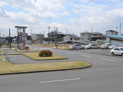 宇都宮・岡本台自動車学校の教習コースは、広々として見通しも良好。技能教習もしやすそう♪