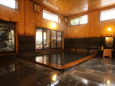宿舎には温泉も! 宿舎には温泉が付いている所もあります。大人気なので予約はお早めに!