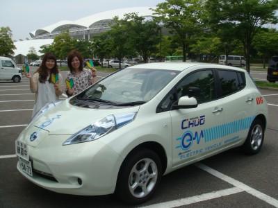 新潟中央自動車学校は、なんと日本で最初に電気自動車での技能教習を始めた学校としても知られています!ぜひ電気自動車での運転も体験してみてください。