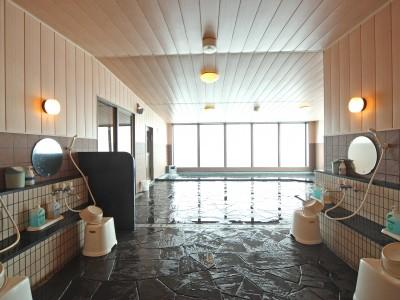 3.広々バスタイム★ アクアホテルの展望風呂は眺めが最高!毎日入れるなんてハッピー♪