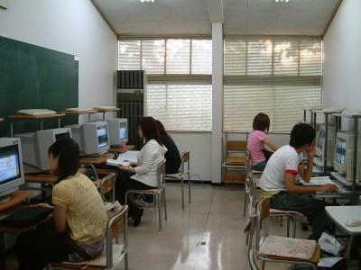 自習用パソコン室