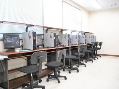 学科試験の練習問題が出来るPC自習室